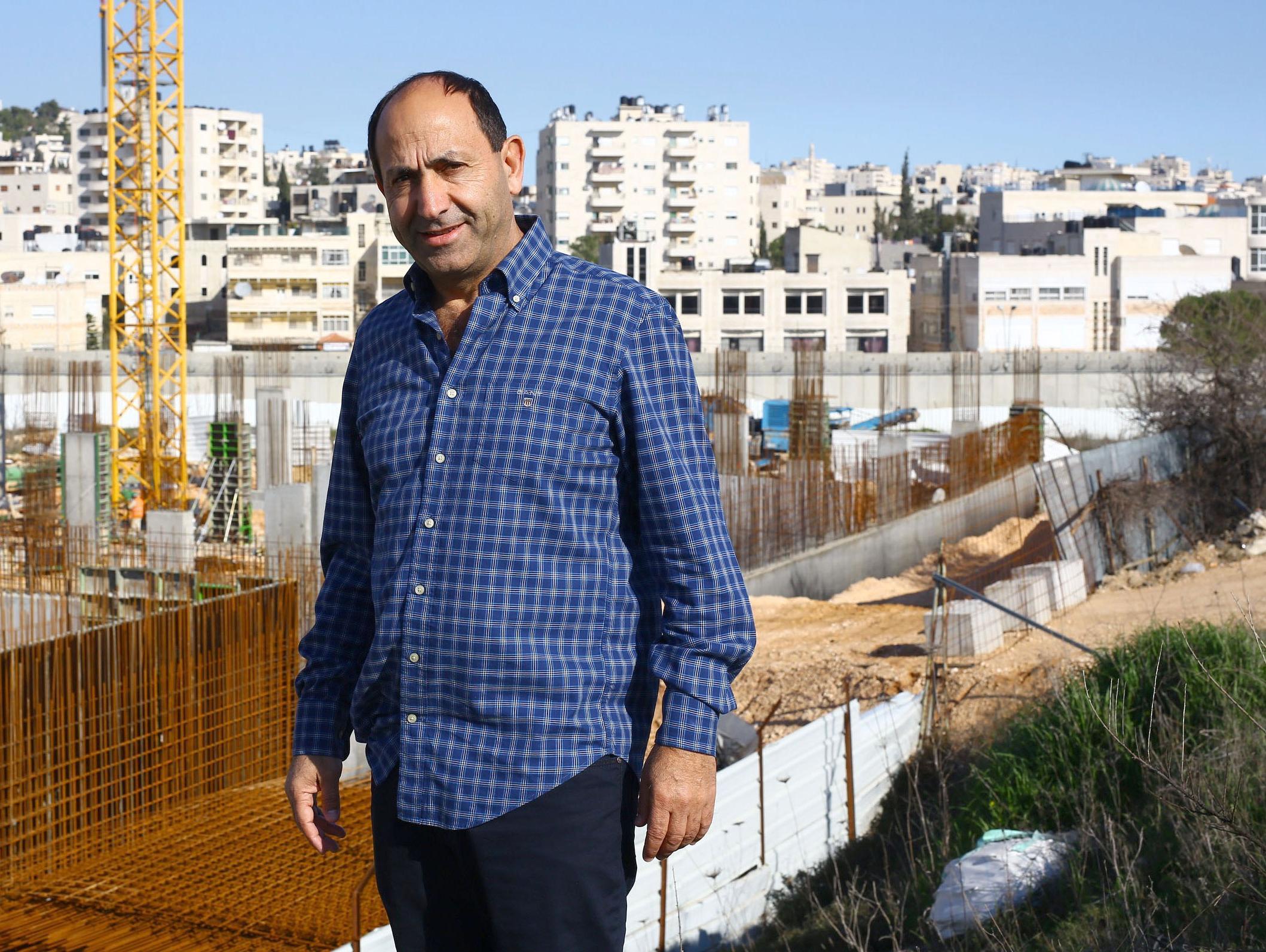השחיתות בעיריית ירושלים: איש העסקים רמי לוי נחקר באזהרה