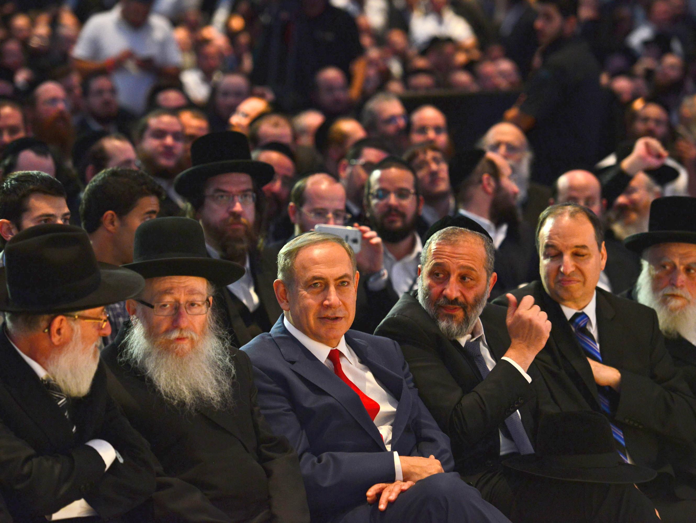 פשרה בקואליציה או פיזור הכנסת: כל התרחישים בדרך לבחירות