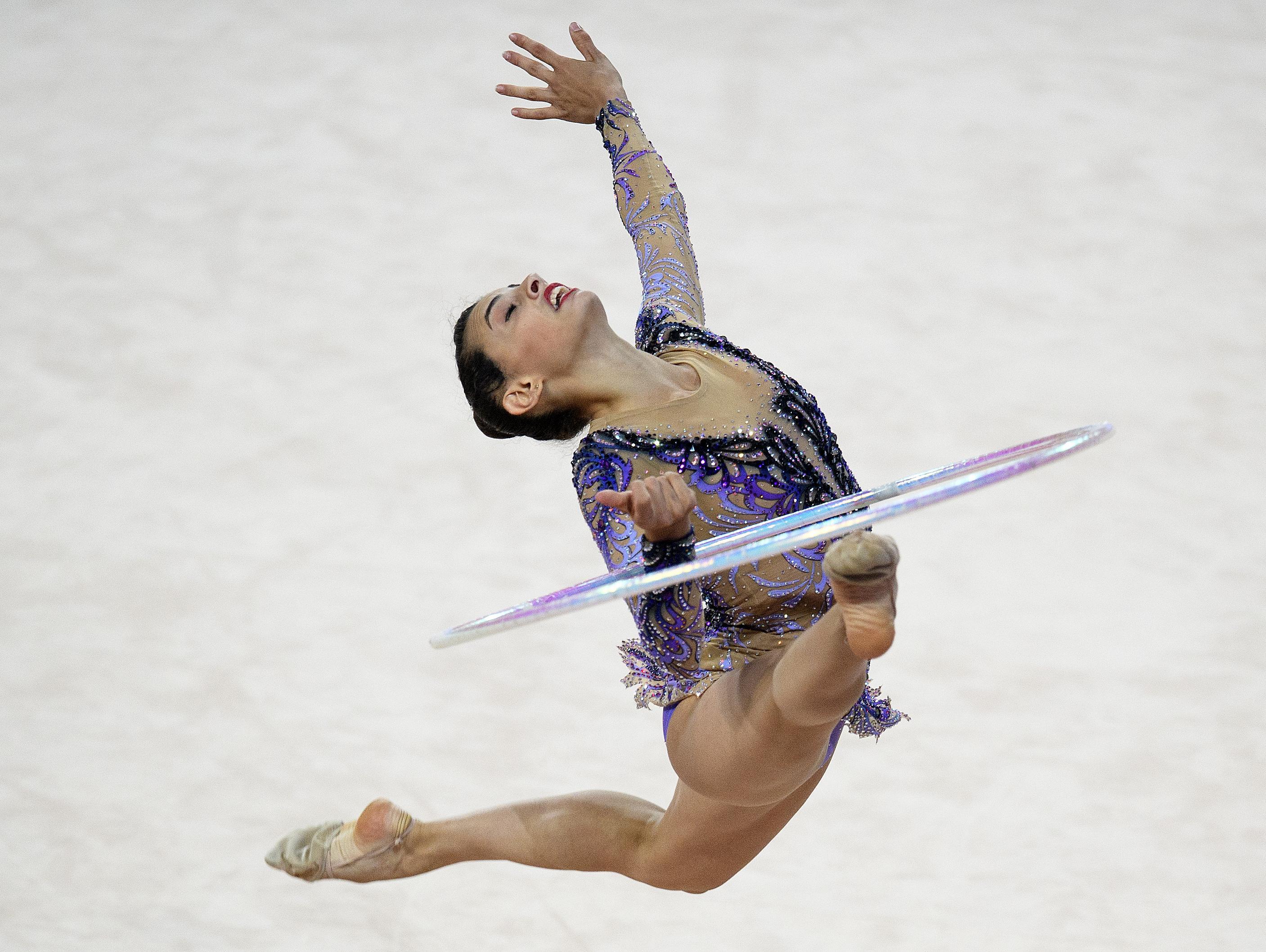 לינוי אשרם זכתה במדליית כסף בתרגיל החישוק באליפות העולם