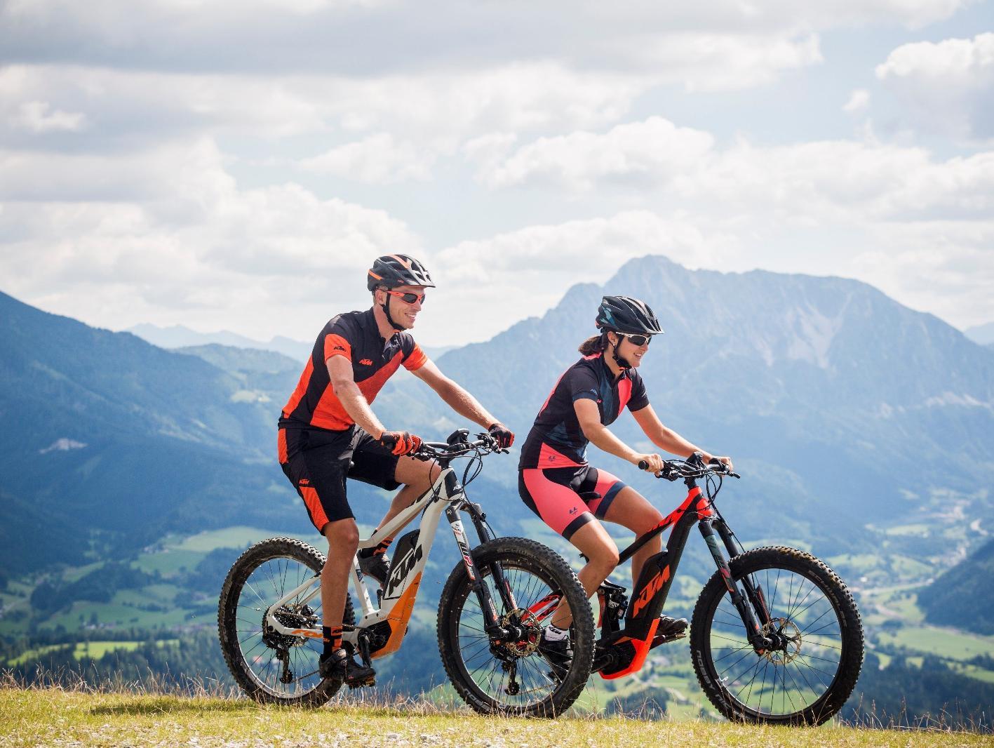 קורעים את השטח עם כוח עזר: אופני KTM חשמליים בארץ