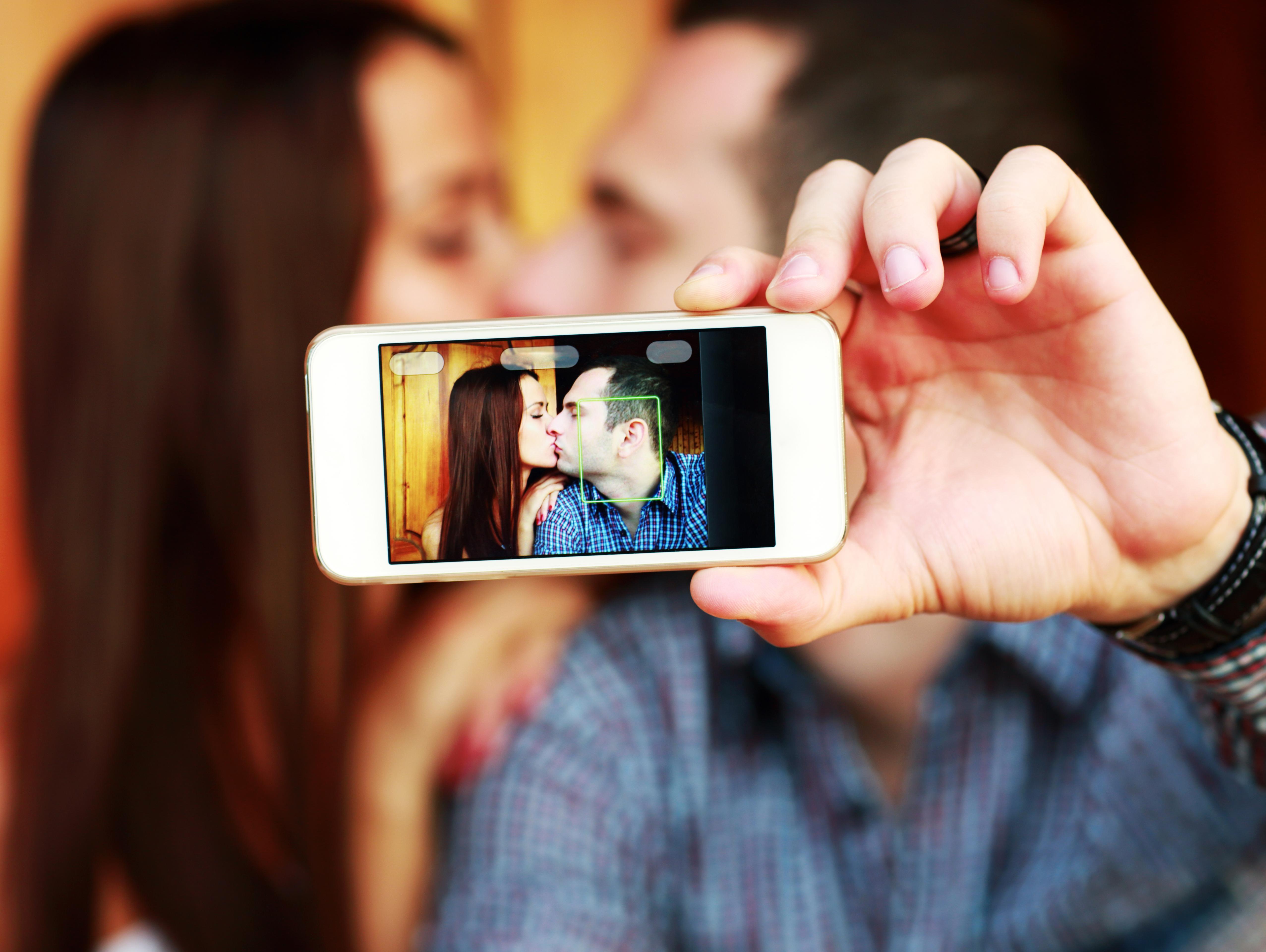 מעלים תמונות לרשת החברתית? לא תאמינו כמה זה יכול לעזור לכם