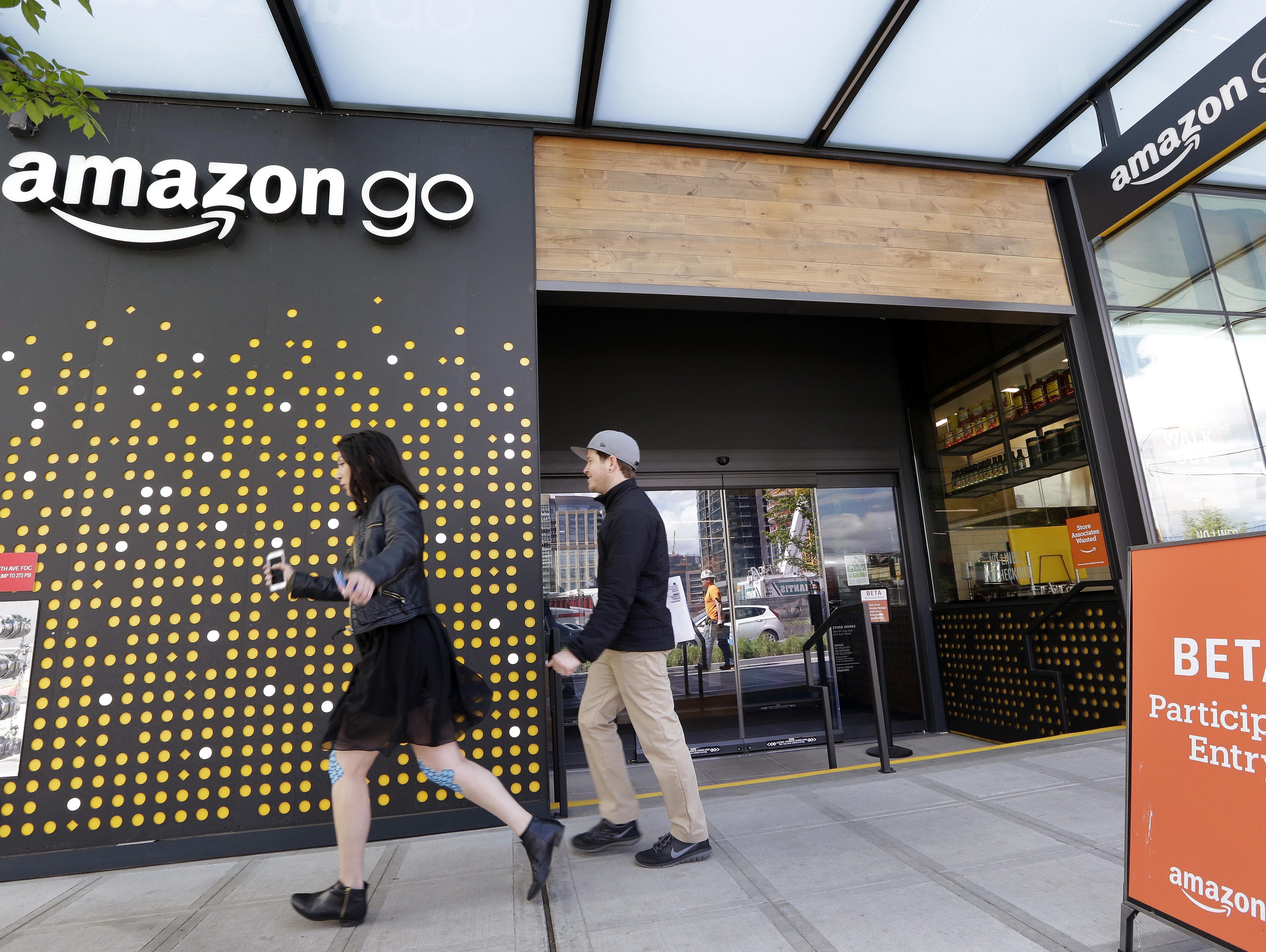 אמזון שוקלת לפתוח 3,000 חנויות אמזון גו ללא קופות עד 2021