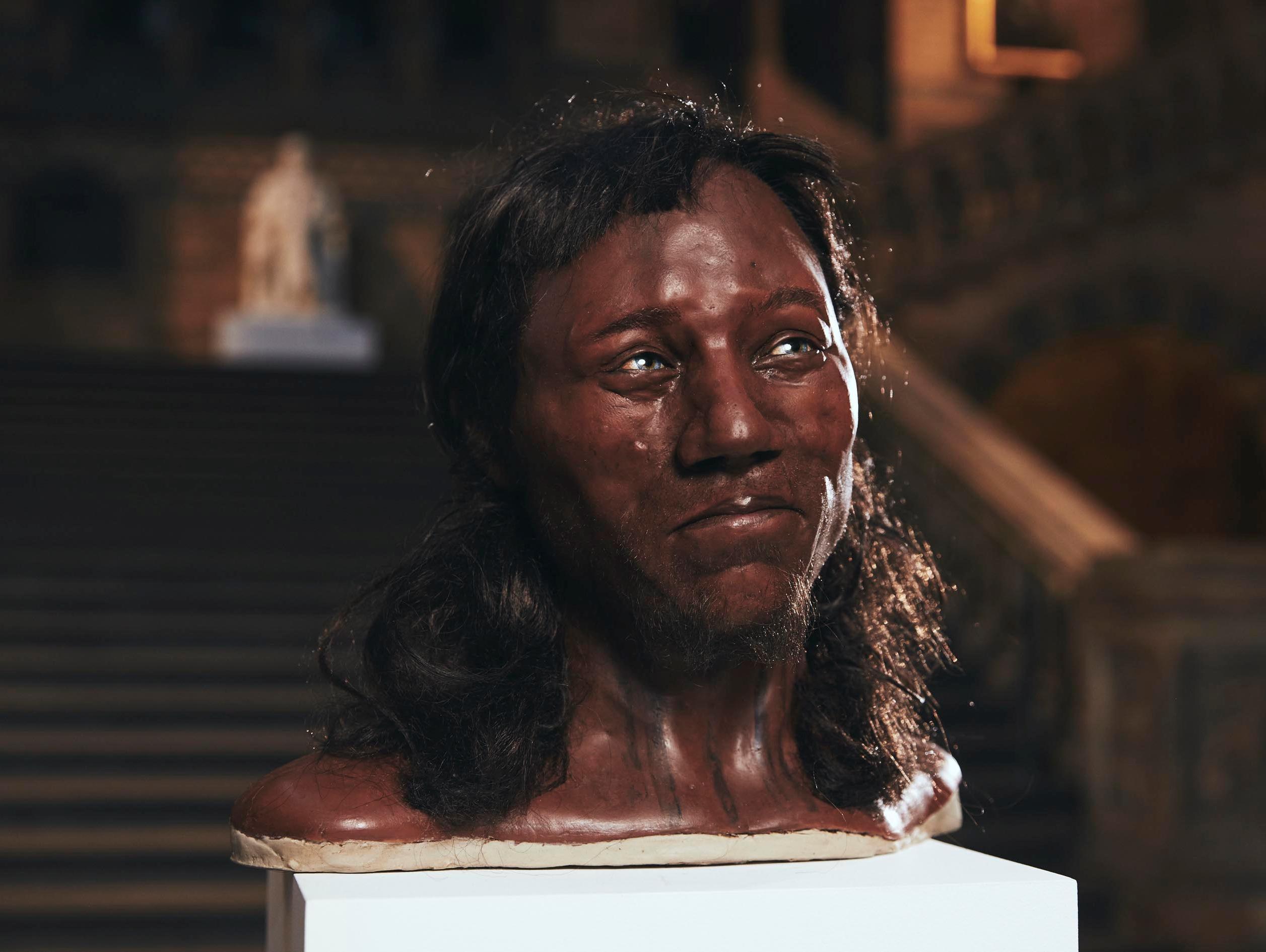 עור כהה ועיניים כחולות: הבריטים הראשונים לא נראו כמו שחשבתם
