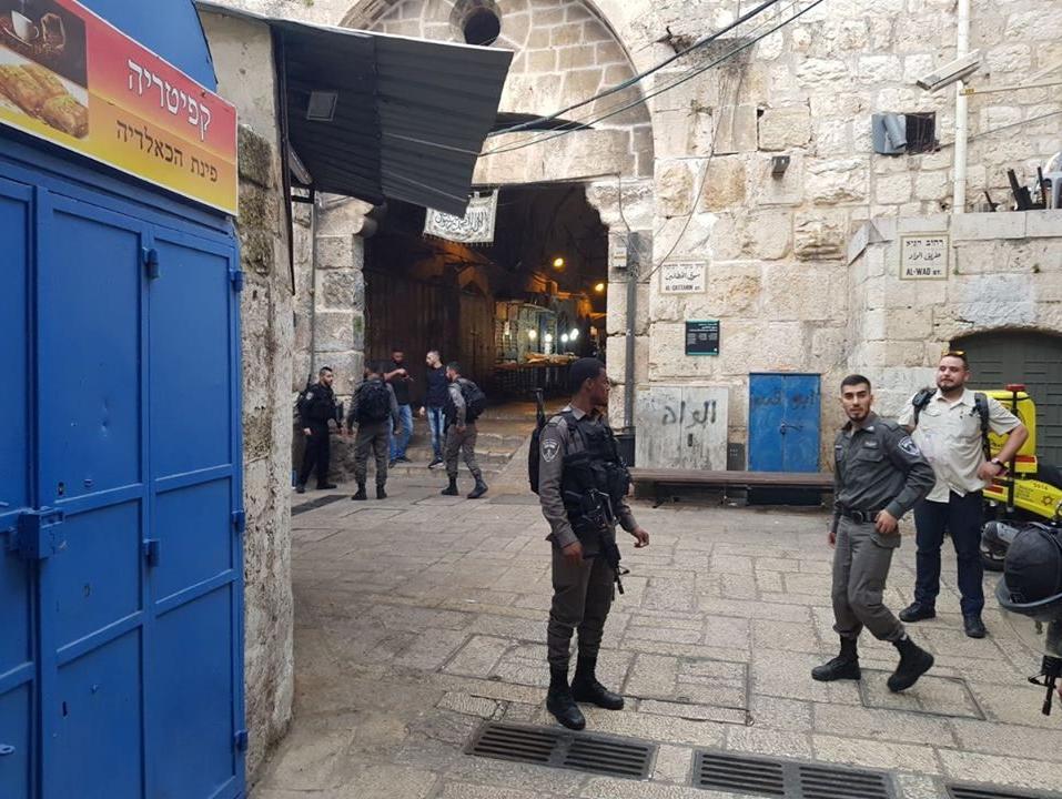 שבעה חשודים באי מניעת פיגוע הדקירה בירושלים שוחררו למעצר בית