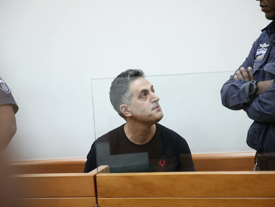 הודעות מיניות לקטינות: אביה של עדי ביטי חשוד בעבירות מין