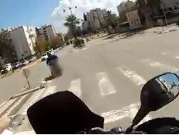 מעולם לא הוציא רישיון: רוכב קטנוע נעצר לאחר מרדף | תיעוד