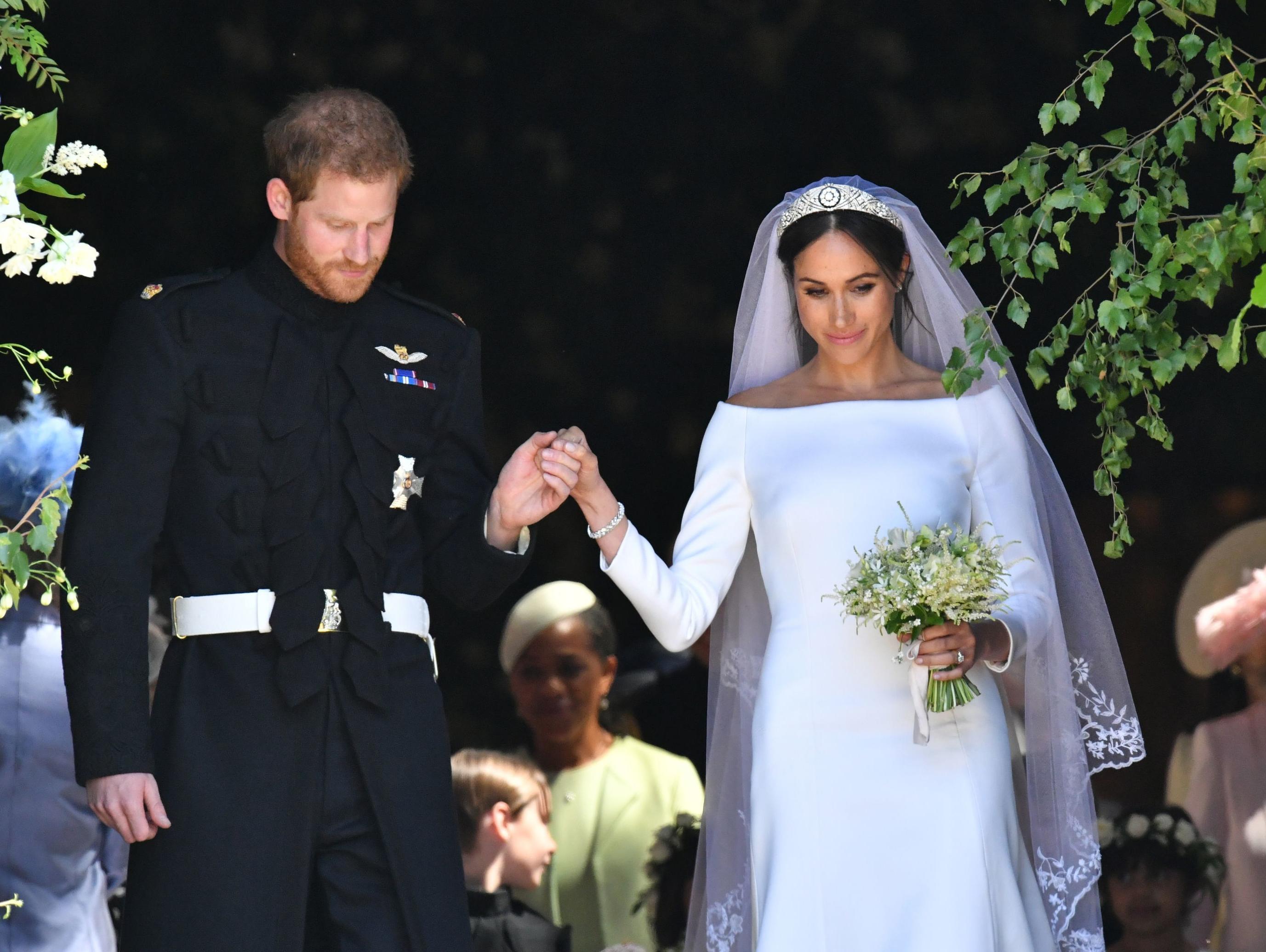 קולולו קולולו: איך נראתה שמלת הכלה של מייגן מרקל?