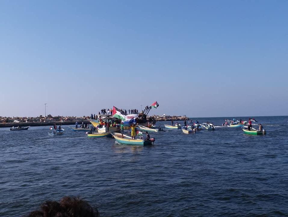 חיל הים ירה לעבר משט שיצא מעזה; הסירות שבו על עקבותיהן