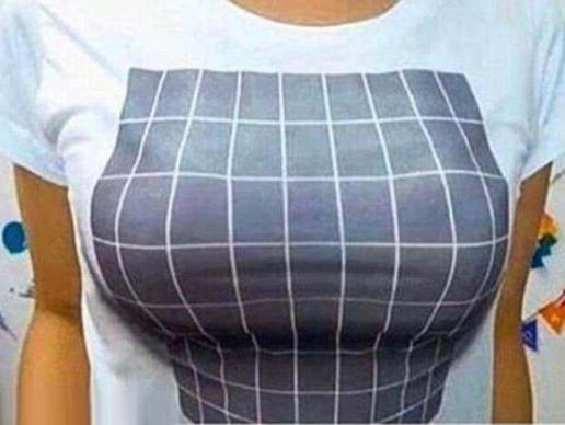חולצת התלת ממד שמגדילה את החזה היא הדבר הכי לוהט היום