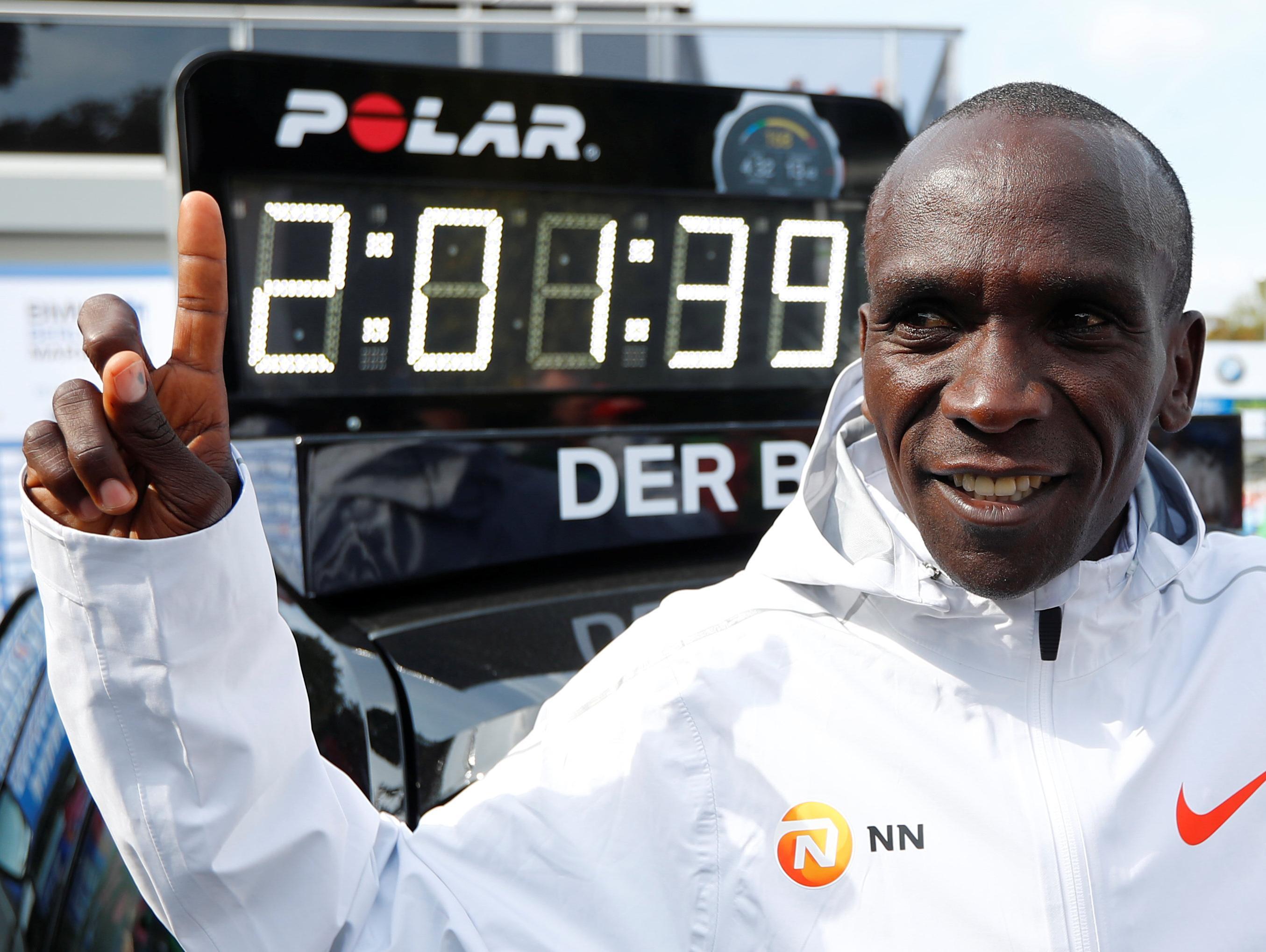 אליוד קיפצ'וגה הקנייתי קבע בברלין שיא עולמי חדש בריצת מרתון