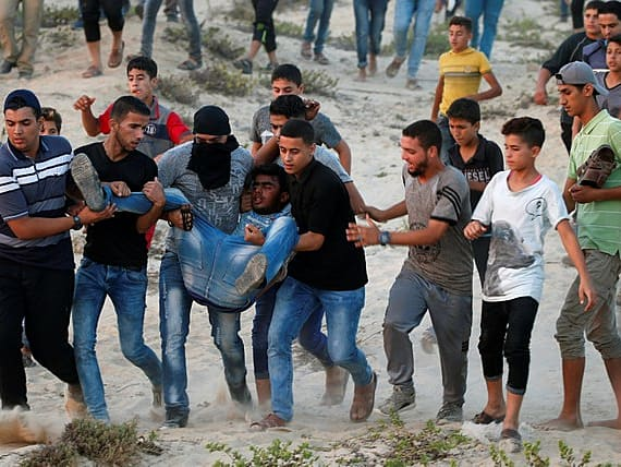 העימותים נמשכים: נער פלסטיני נהרג הלילה מאש צה