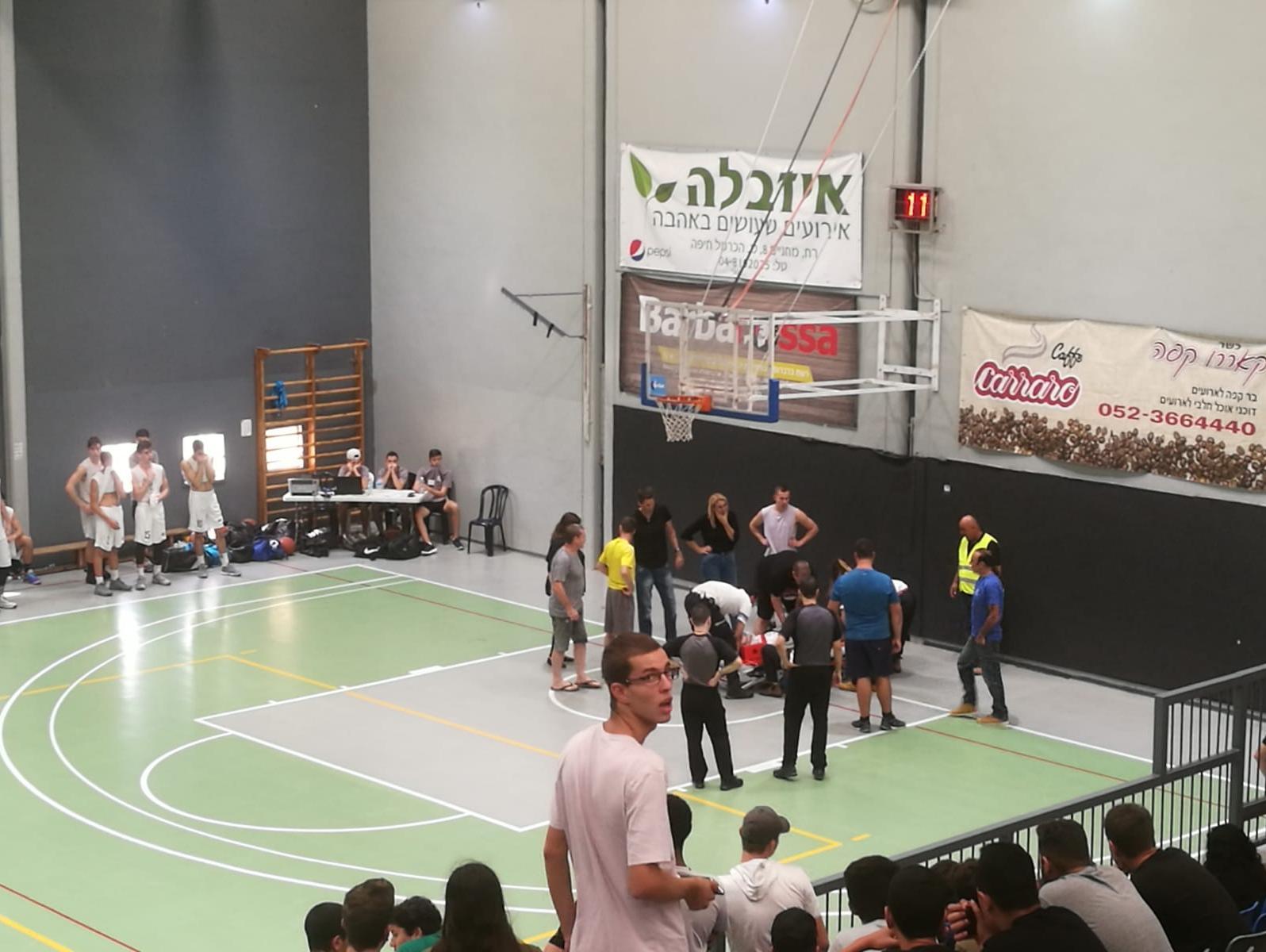 ליגת העל בתיכונים: שחקן ליאו בק חיפה פונה לבית החולים לאחר פגיעת ראש