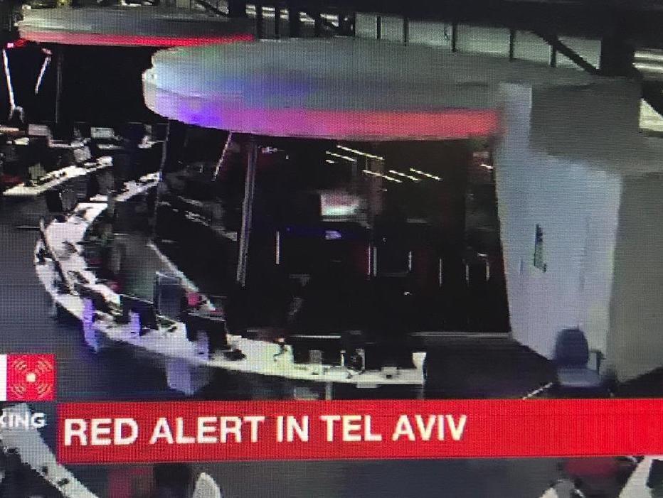 פייק ניוז: ערוץ i24NEWS דיווח על אזעקה בתל אביב - שלא הייתה ולא נבראה