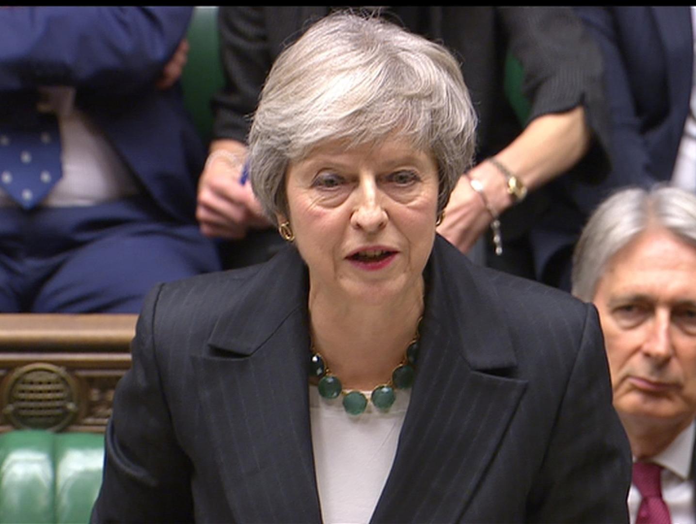 טלטלה בממשלת בריטניה: ארבעה שרים התפטרו, עתיד התכנית לא ברור