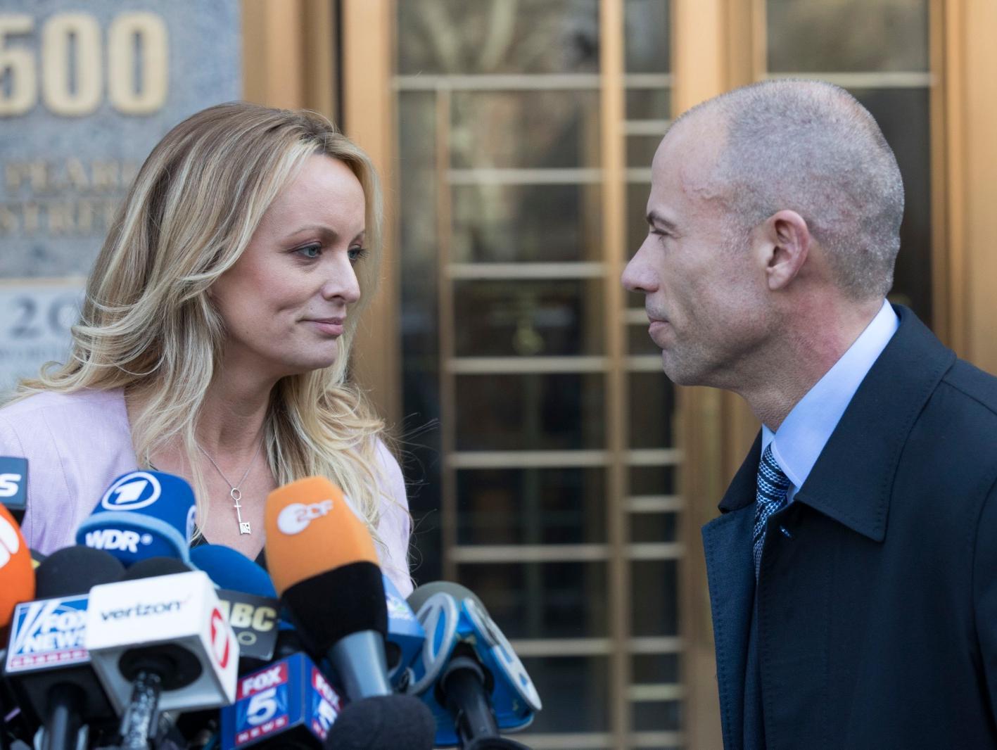 פרקליט שחקנית הפורנו שתובעת את טראמפ חשוד בתקיפת אישה