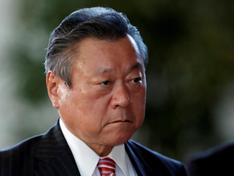 מבוכה ביפן: השר ללוחמת סייבר מעולם לא השתמש במחשב