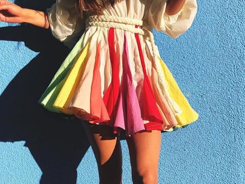 געגועים לקיץ: השמלה הקטנה והמושלמת שמשתלטת על האינסטוש