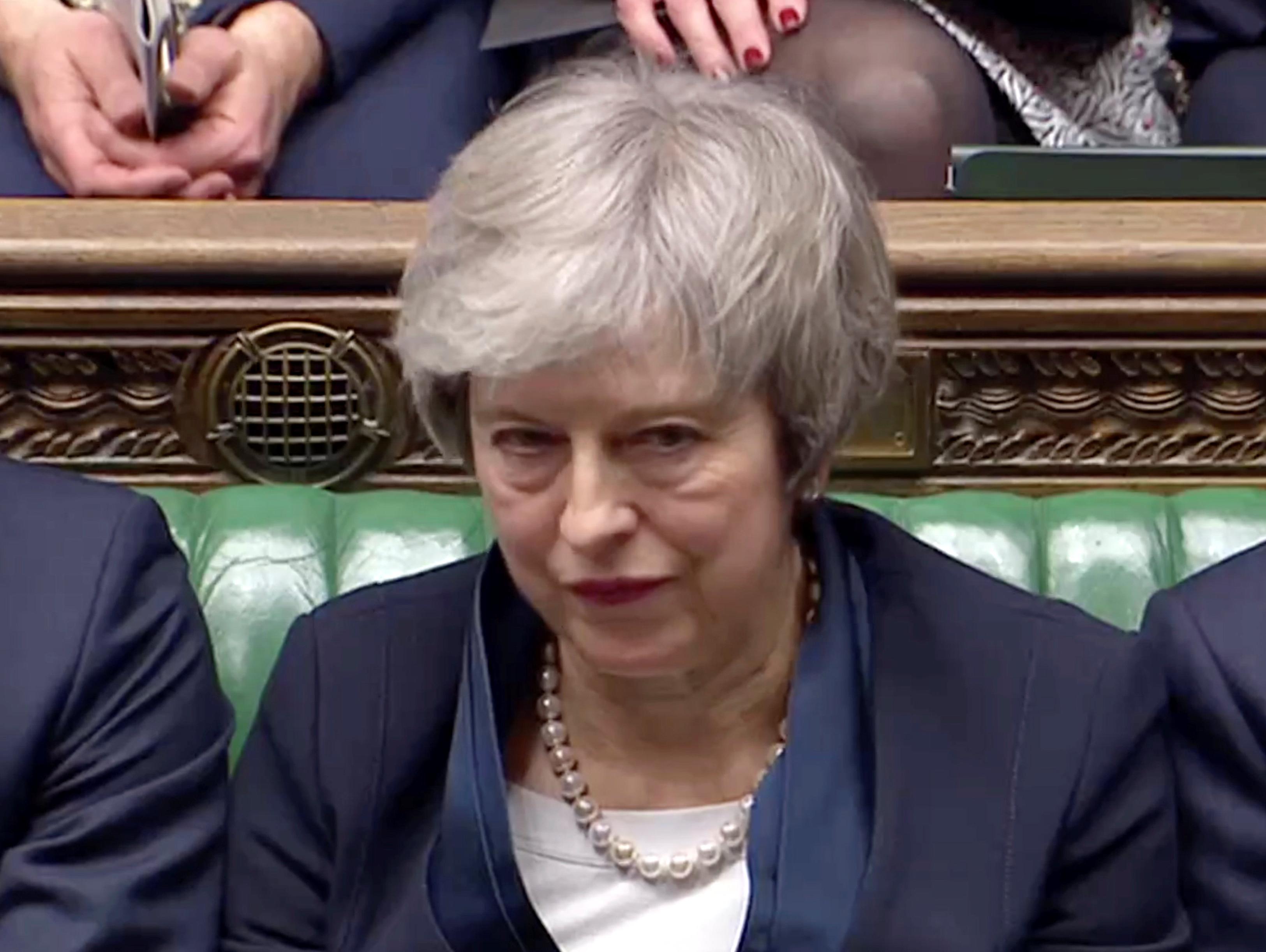 בדרך לעתיד מעורפל - מיי נכנסה מושפלת לדפי ההיסטוריה של בריטניה