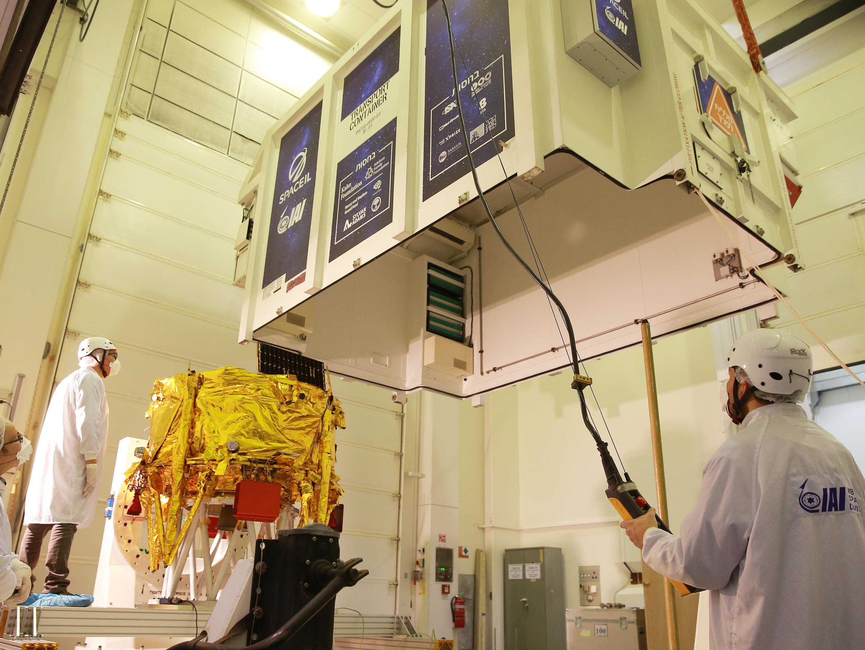 בדרך לירח: החללית של SpaceIL בדרך לאתר השיגור שבפלורידה