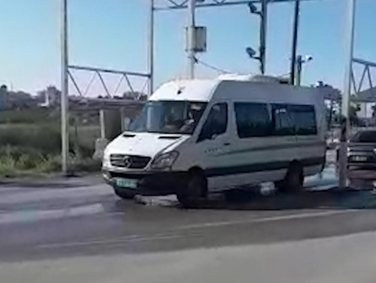 אחרי הפיגועים: המחסום נפתח לתנועה, כלי רכב עוברים ללא בידוק