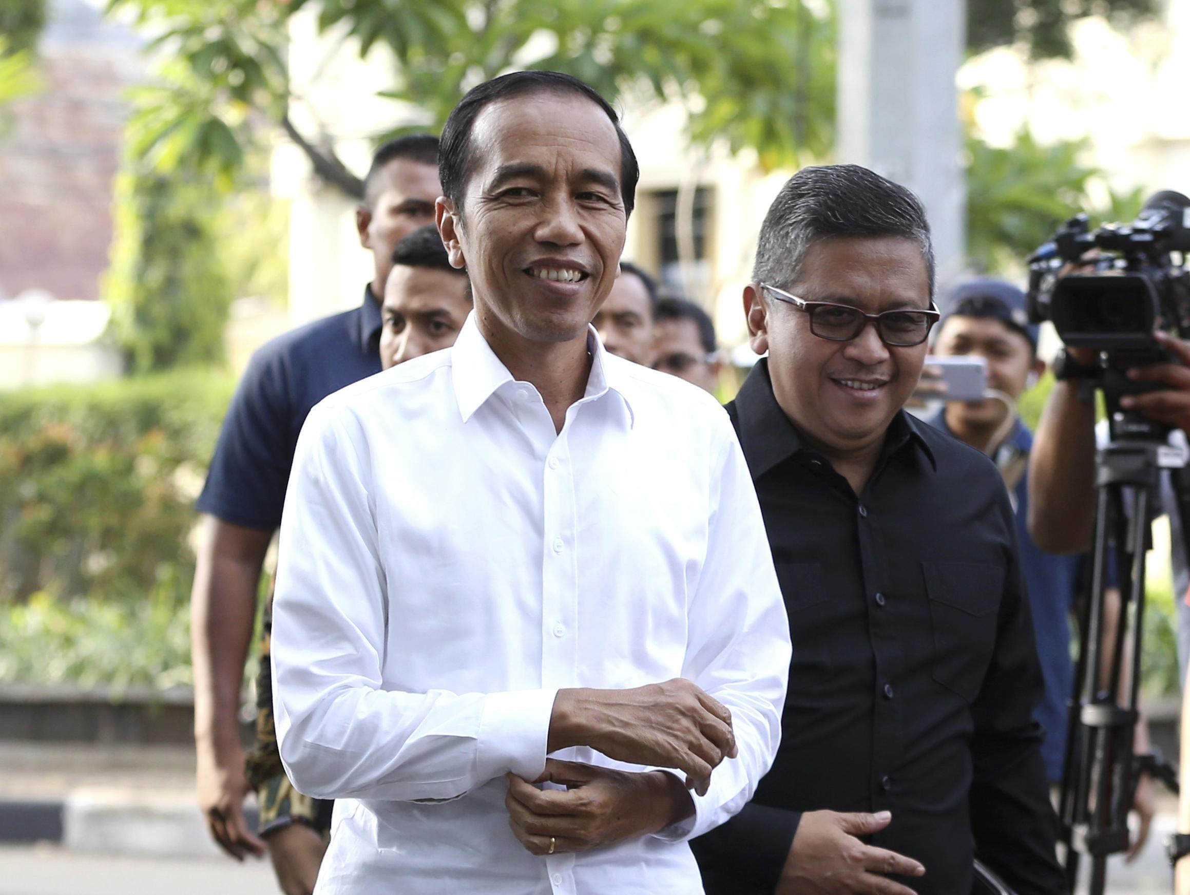 נשיא אינדונזיה הכריז ניצחון בבחירות, אך יריבו טוען לזיופים