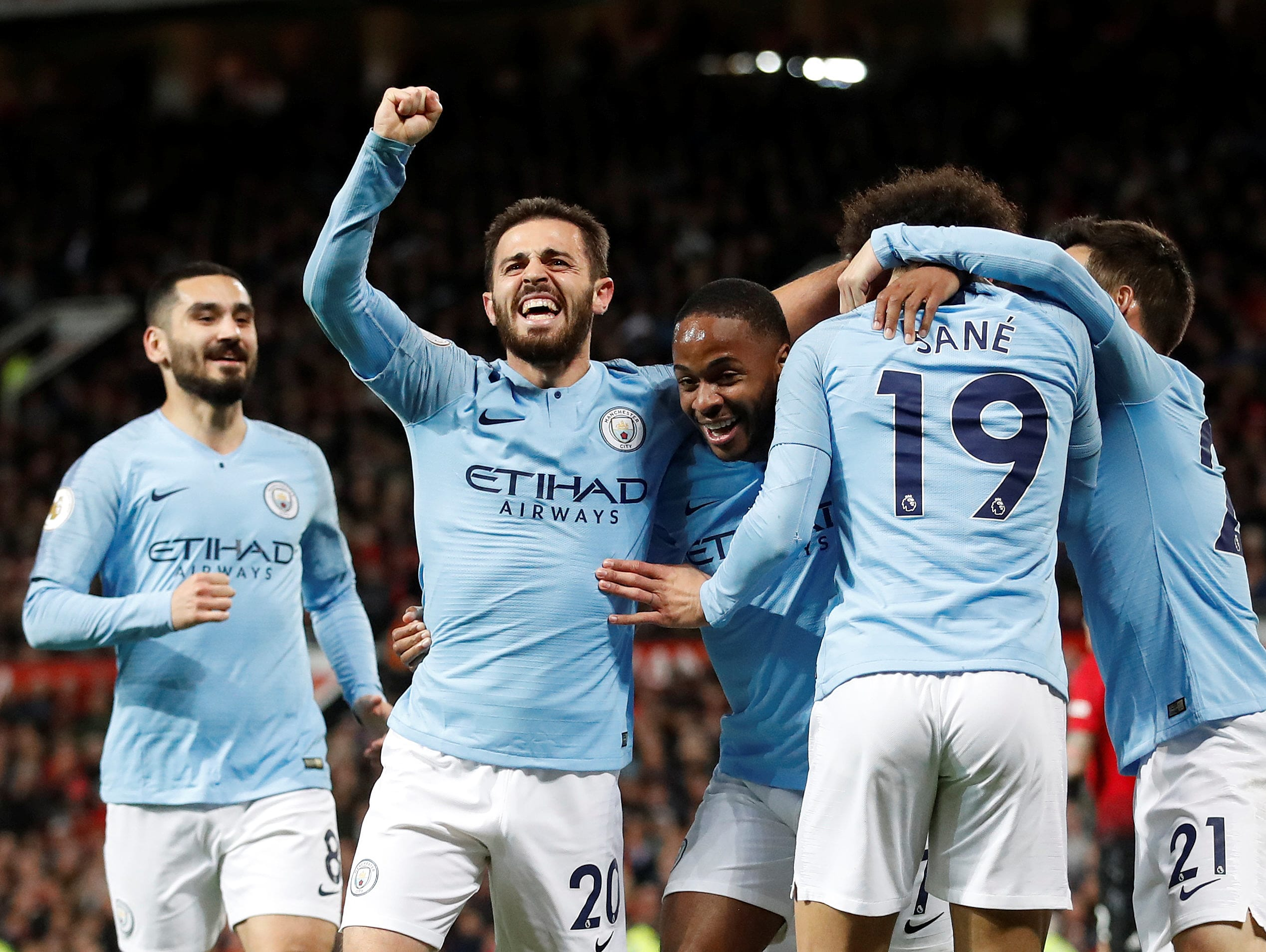מנצ'סטר סיטי ניצחה את מנצ'סטר יונייטד 0:2 בחוץ ועלתה לפסגת הפרמיירליג