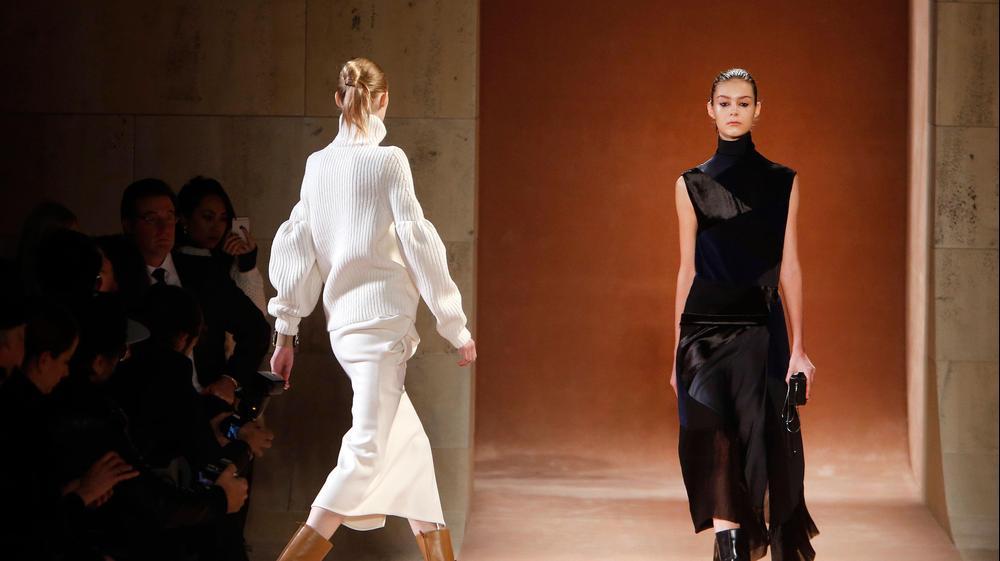 תצוגת ויקטוריה בקהאם בשבוע האופנה בניו יורק סתיו-חורף 2015-16