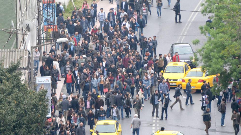 הפגנה לציון יום הפועלים באיסטנבול, 1 במאי 2015. רויטרס