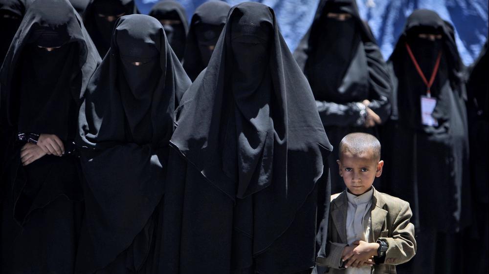 הפגנה של נשים נגד שלטונו של נשיא תימן עלי עבדאללה סלאח בצנעא, 4 באפריל 2011. AP