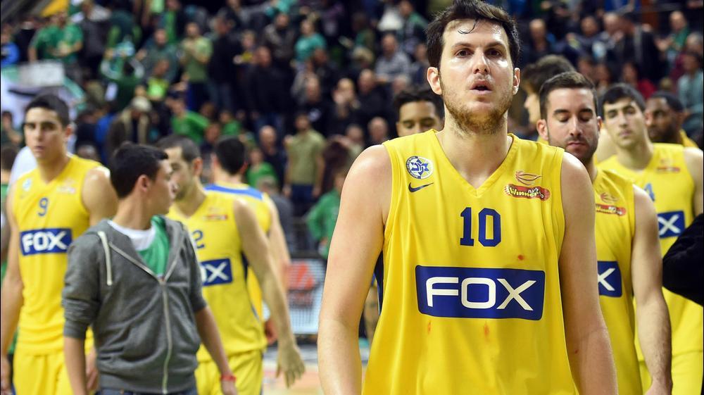 שחקן מכבי תל אביב, גיא פניני. ברני ארדוב