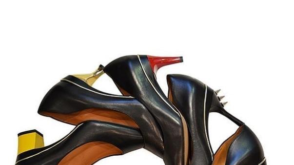נעל מתפרקת עקבים שונים