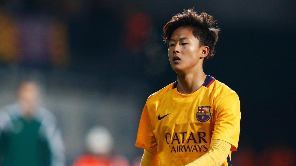 לי סונג-וו במדי קבוצת הנוער של ברצלונה ב-2016. GettyImages