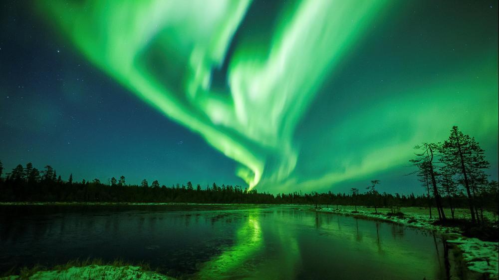 אורות הצפון נראים בשמי לפלנד, פינלנד
