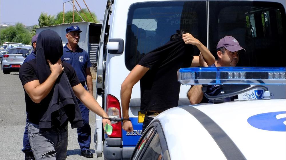 הארכת מעצר החשודים באונס בקפריסין, 18 ביולי 2019. AP