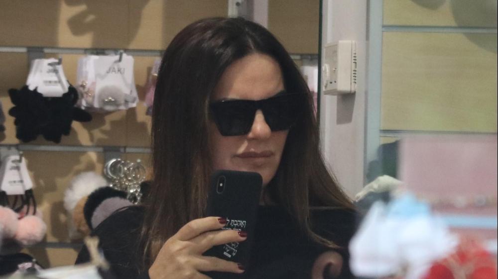 אופירה אסייג עושה קניות. ניר פקין