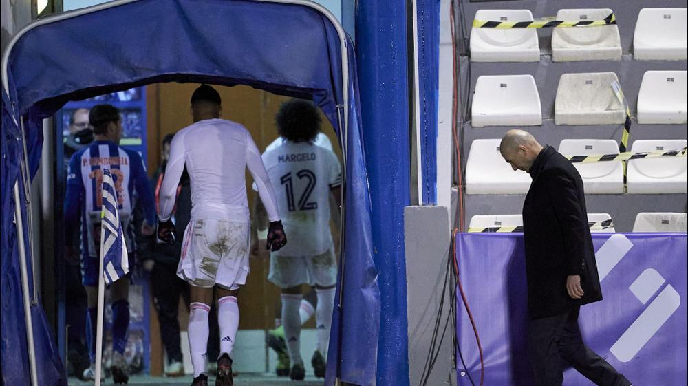 מאמן ריאל מדריד זינדין זידאן אחרי ההדחה מהגביע הספרדי. Quality Sport Images, GettyImages