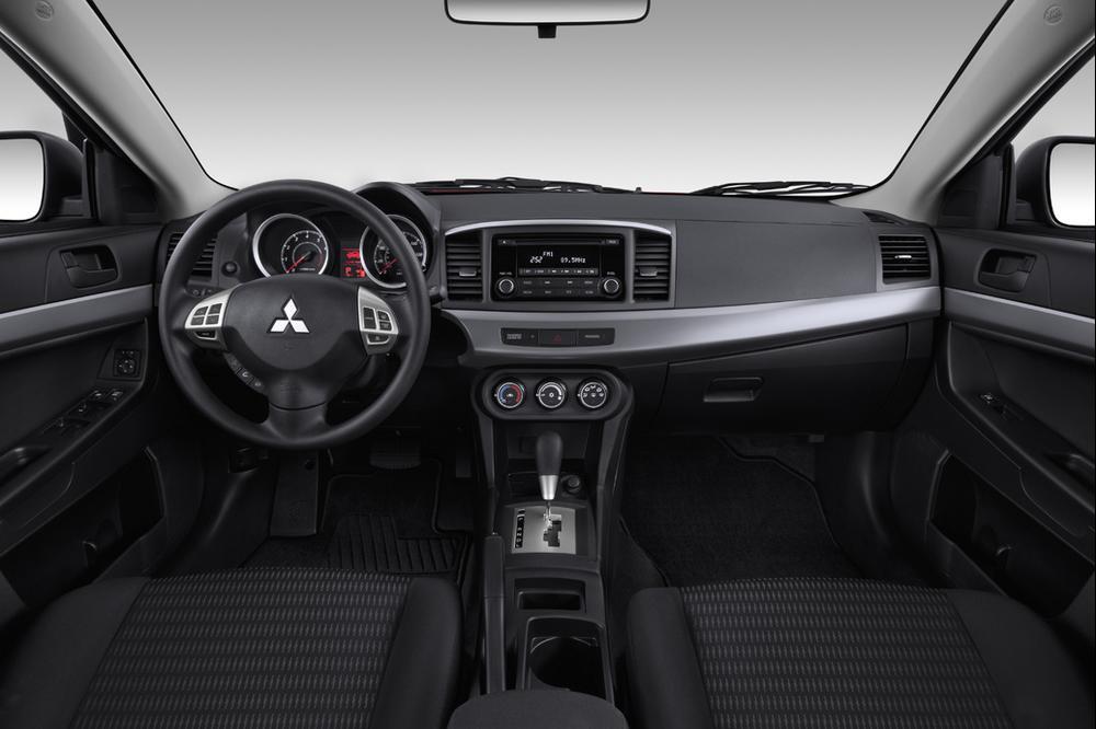 מגה וברק מיצובישי לנסר 1.8 ספורט אוטומטית - וואלה! רכב DS-95