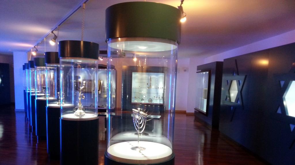 צעיר יהודי בלמונטה האנוסים: 400 שנה בתחפושת בפורטוגל - וואלה! תיירות CO-52