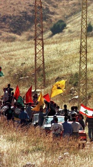 לבנונים חוגגים את הנסיגה הישראלית מלבנון