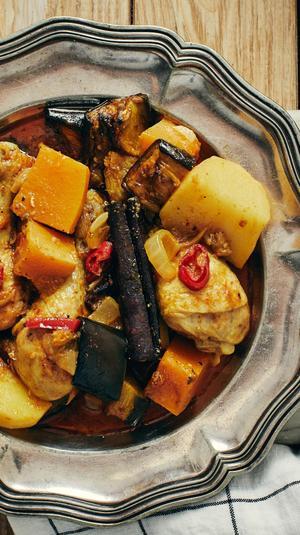 תבשיל שוקי עוף בסגנון הודי