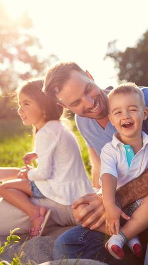 משפחה מאושרת. ShutterStock