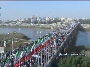 לצד המחאות נגד השחיתות השלטונית באיראן אלפי תושבים יצאו להפגנות תמיכה בממשל
