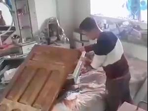 """""""הנכדים נפלו עליי"""" -  דיירת במלון """"אל-אמל"""" בעזה: """"חיל האוויר הישראלי השמיד חמש קומות בבניין, ואין למשפחתי איפה לגור"""""""