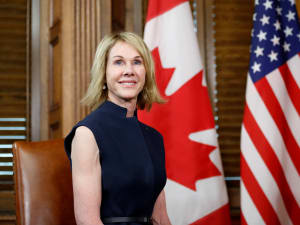 שגרירת ארצות הברית בקנדה קלי קרפט בפגישה עם ראש ממשלת בקנדה ג'סטין טרודו ב-23 בנובמבר 2018