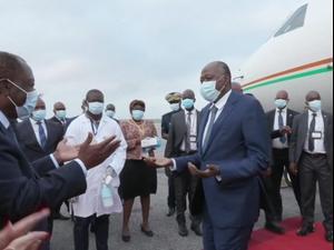 """רה""""מ חוף השנהב פונה לבית חולים בזמן ישיבת ממשלה - ומת"""