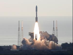 """נאס""""א שיגרה למאדים רכב חלל כדי לחפש חיים  30.7.20. רויטרס"""