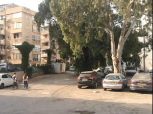 פלסטיני וישראלי נאשמים באונס אישה שיכורה בחניון בפתח תקווה
