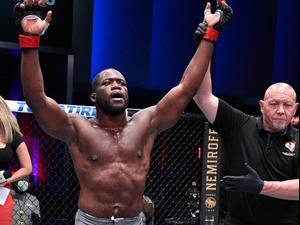לוחם ה-MMA טאפון אנצ'וקווי