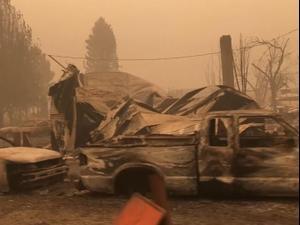 """שריפות ב-3 מדינות בחוף המערבי בארה""""ב: יותר מ-30 הרוגים 13.9.20"""