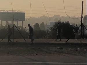 פלסטינים חוצים באין מפריע את הגדר בגזרה בה שירתו חיילים 17.09.20